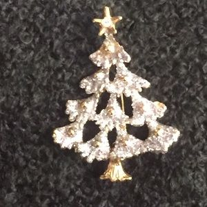 New Christmas Tree with Frosted Tips Brooch